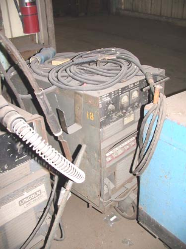 LINCOLN IDEALARC #R3S-400 DC, 400A, stick, cables, cart (830)