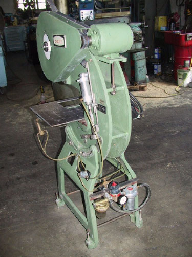 5 Ton, DI-ACRO, Model 5, 1-1/4 stroke, 7 SH, 1/3 HP, air actuated, palm button