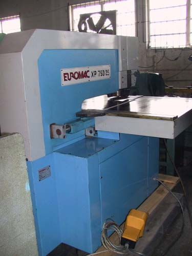 25 Ton, EUROMAC, #XP 750/25, Trumpf style tooling, 5 HP, hydraulic, 1999