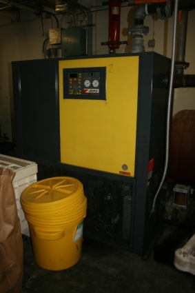 1200 CFM, 125 PSI, ZEKS, No. 1200HSDA40G, 5 HP, Thermal mass cycling, 1994