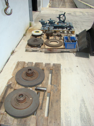 14 x 44 , KIKINDA, #C12-1100, internal spindle, SR, CL, mag chuck, 1985